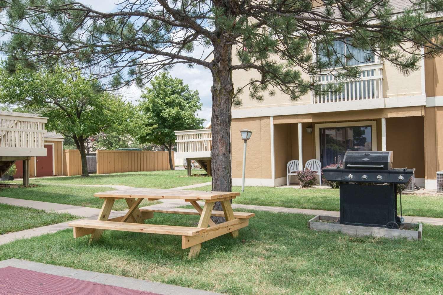 proam - Hawthorn Suites by Wyndham East Wichita