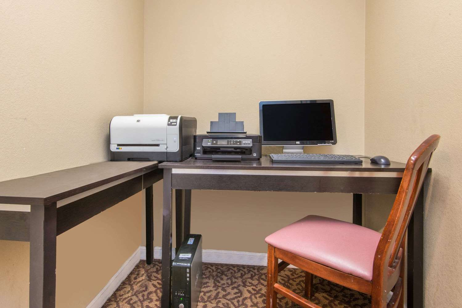 Conference Area - Hawthorn Suites by Wyndham East Wichita
