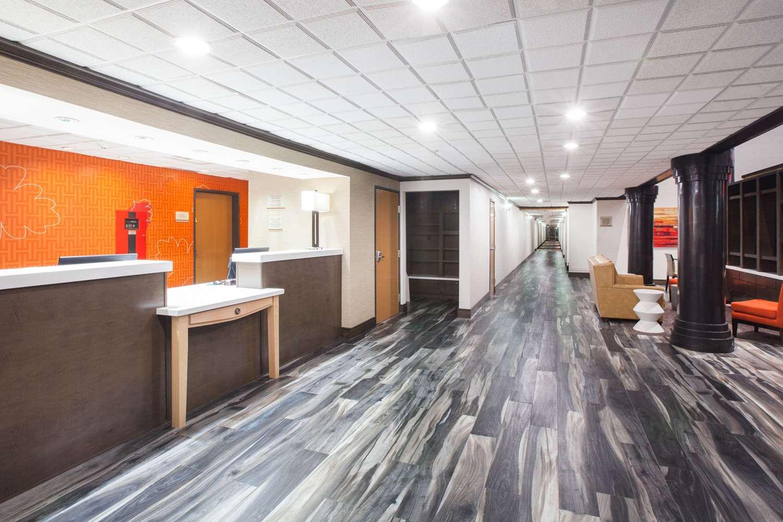 Lobby - Hawthorn Suites by Wyndham Corpus Christi
