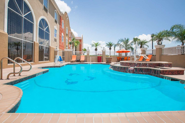 Pool - Hawthorn Suites by Wyndham Corpus Christi