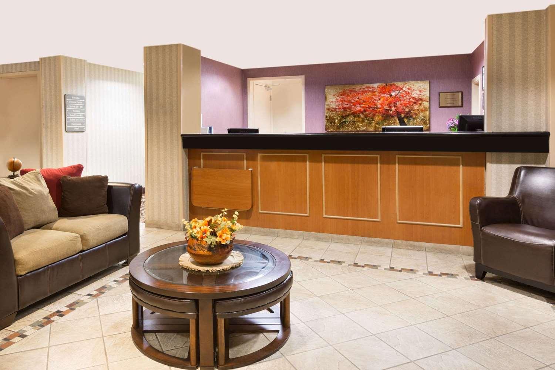 Lobby - Hawthorn Suites by Wyndham Gold River Rancho Cordova