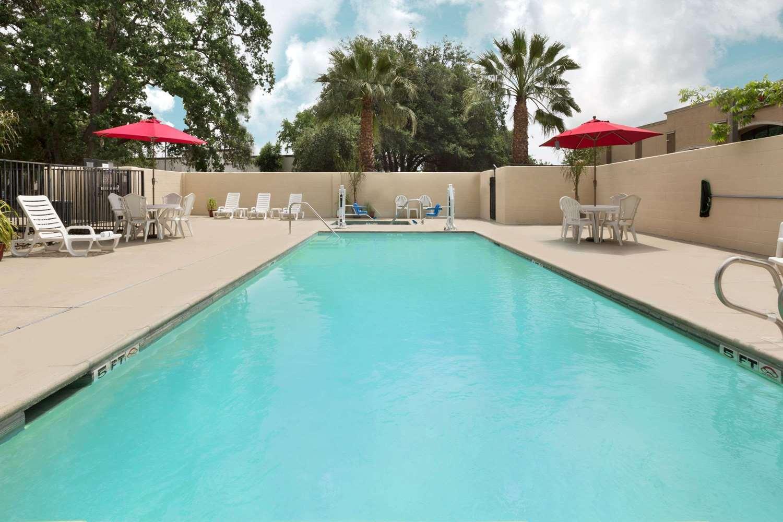 Pool - Hawthorn Suites by Wyndham Gold River Rancho Cordova