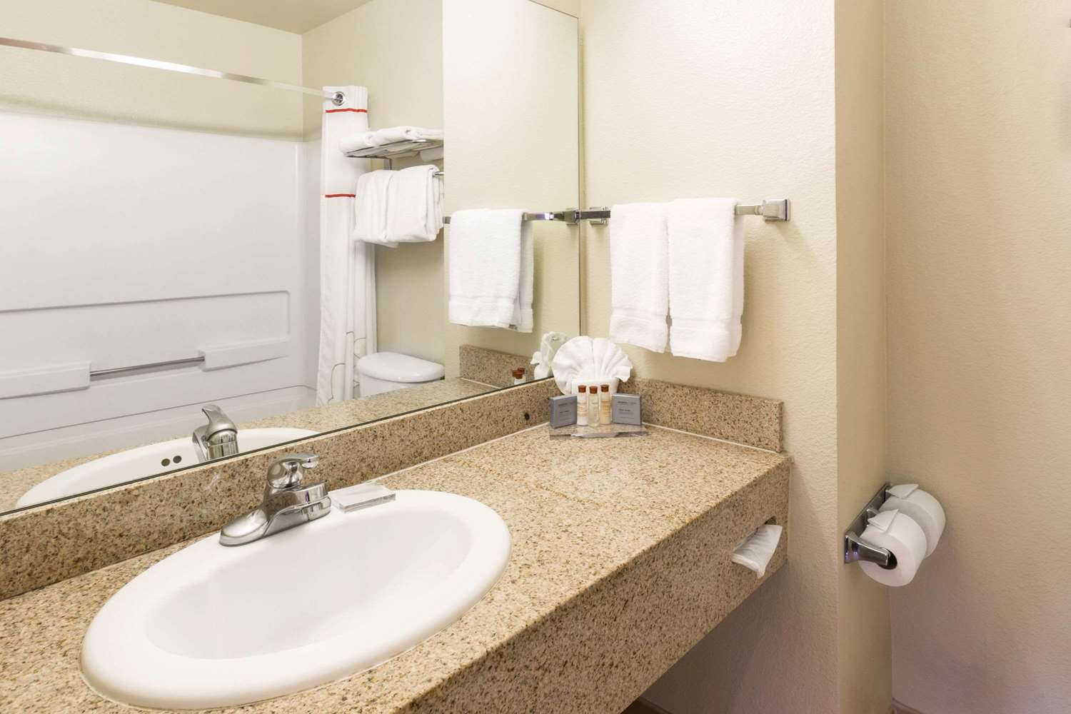 Room - Hawthorn Suites by Wyndham Gold River Rancho Cordova