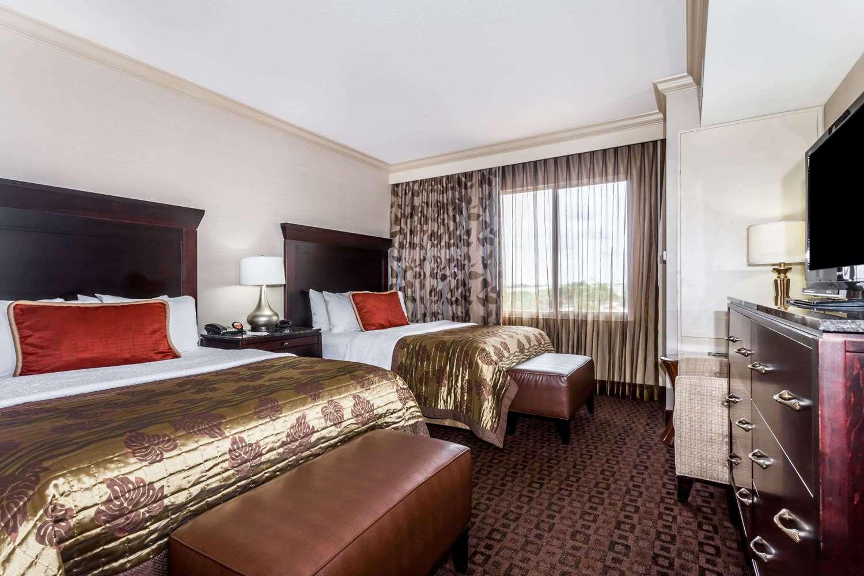 Room - Hawthorn Suites by Wyndham West Palm Beach