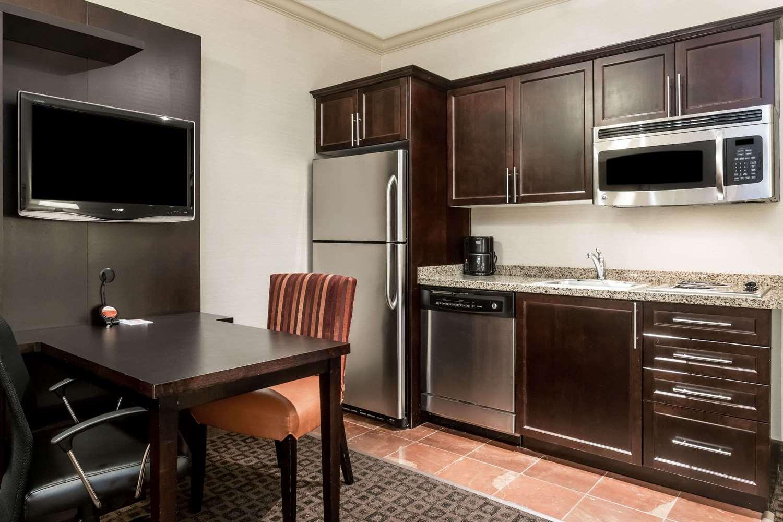 Amenities - Hawthorn Suites by Wyndham West Palm Beach