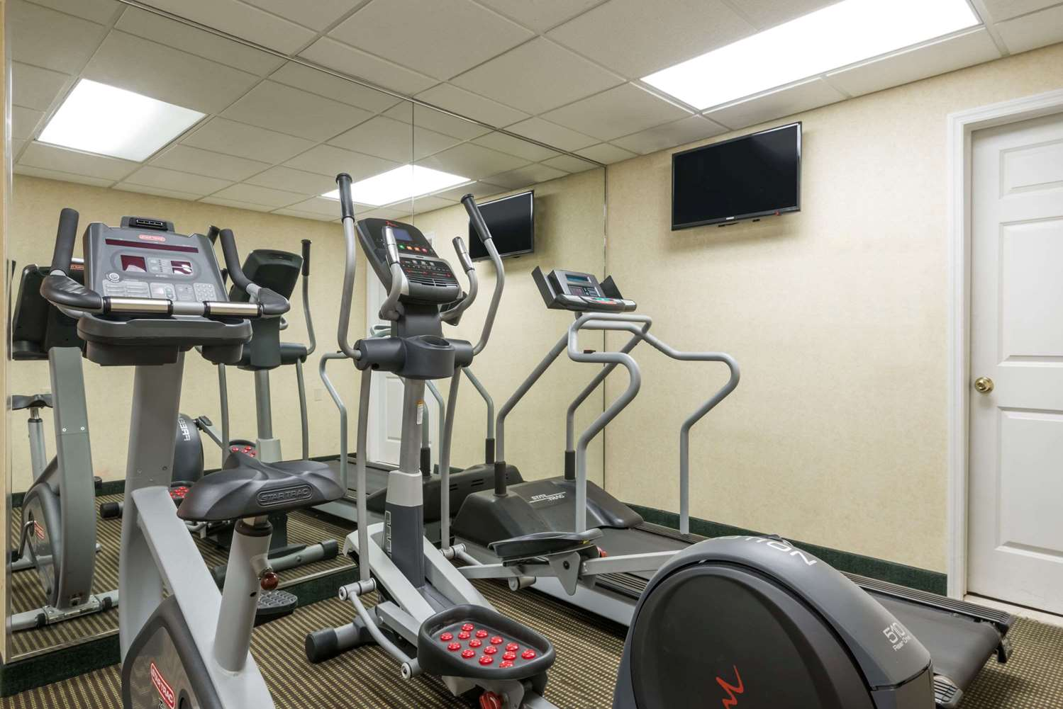 Fitness/ Exercise Room - Hawthorn Suites by Wyndham Miamisburg