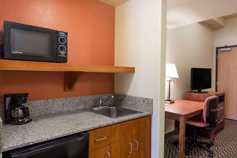Suite - Hawthorn Suites by Wyndham Alameda