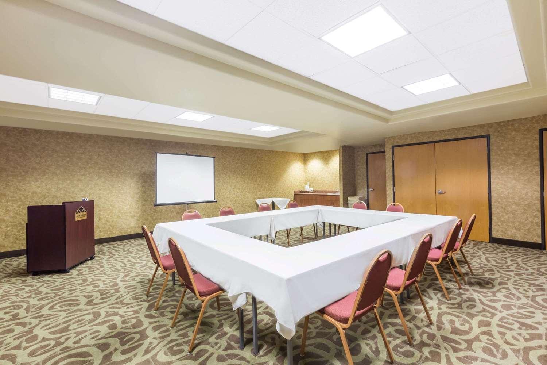 Meeting Facilities - Hawthorn Suites by Wyndham Alameda
