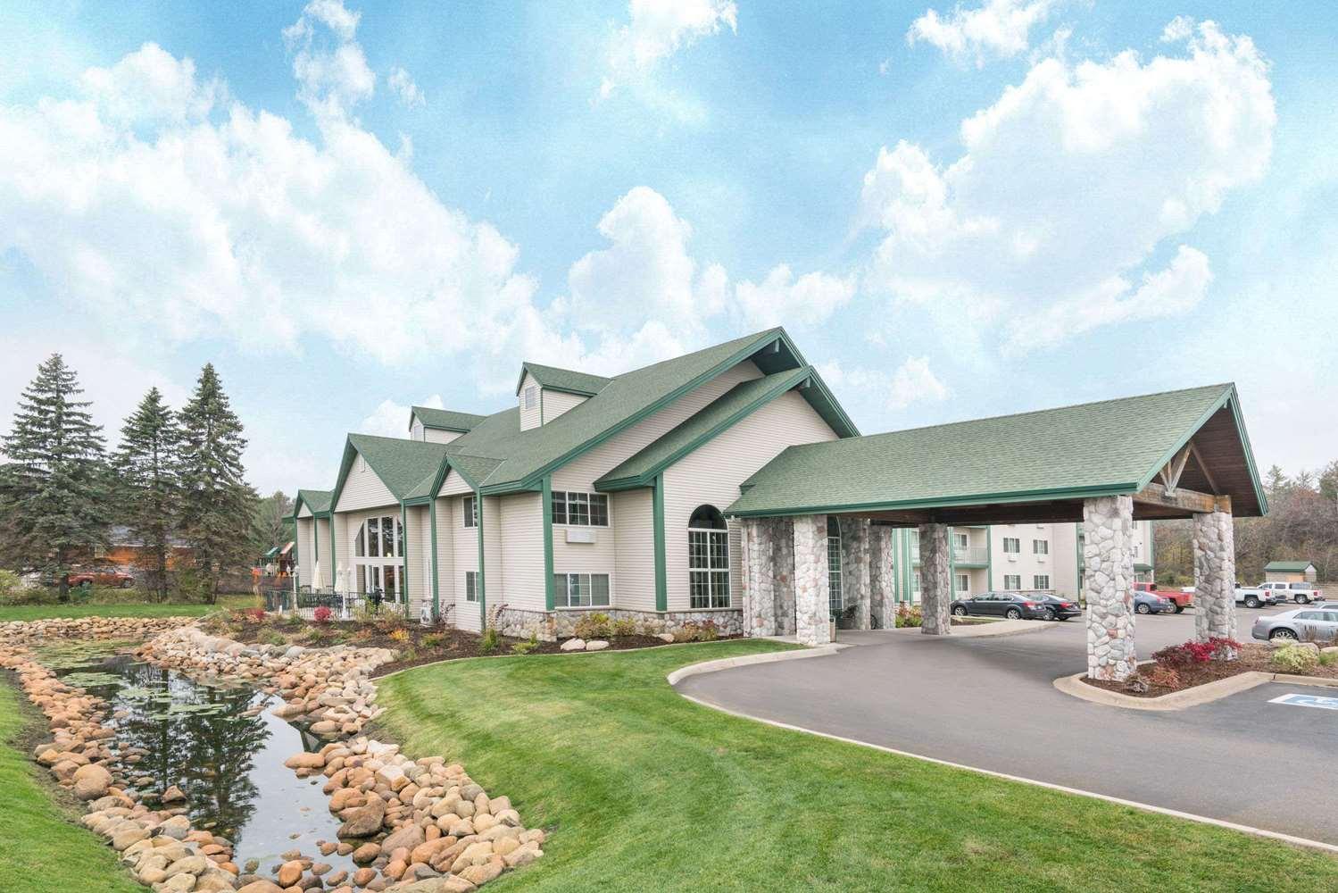 Exterior view - Baymont Inn & Suites Baxter