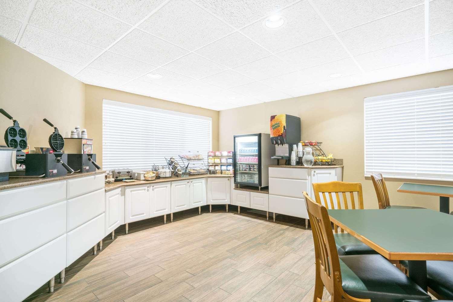 proam - Baymont Inn & Suites Baxter