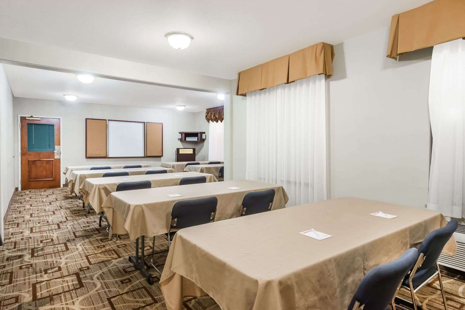 Meeting Facilities - Hawthorn Suites by Wyndham Seville