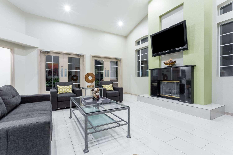 Lobby - Hawthorn Suites by Wyndham Chandler