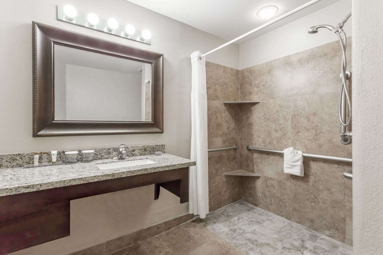 Room - Hawthorn Suites by Wyndham Chandler