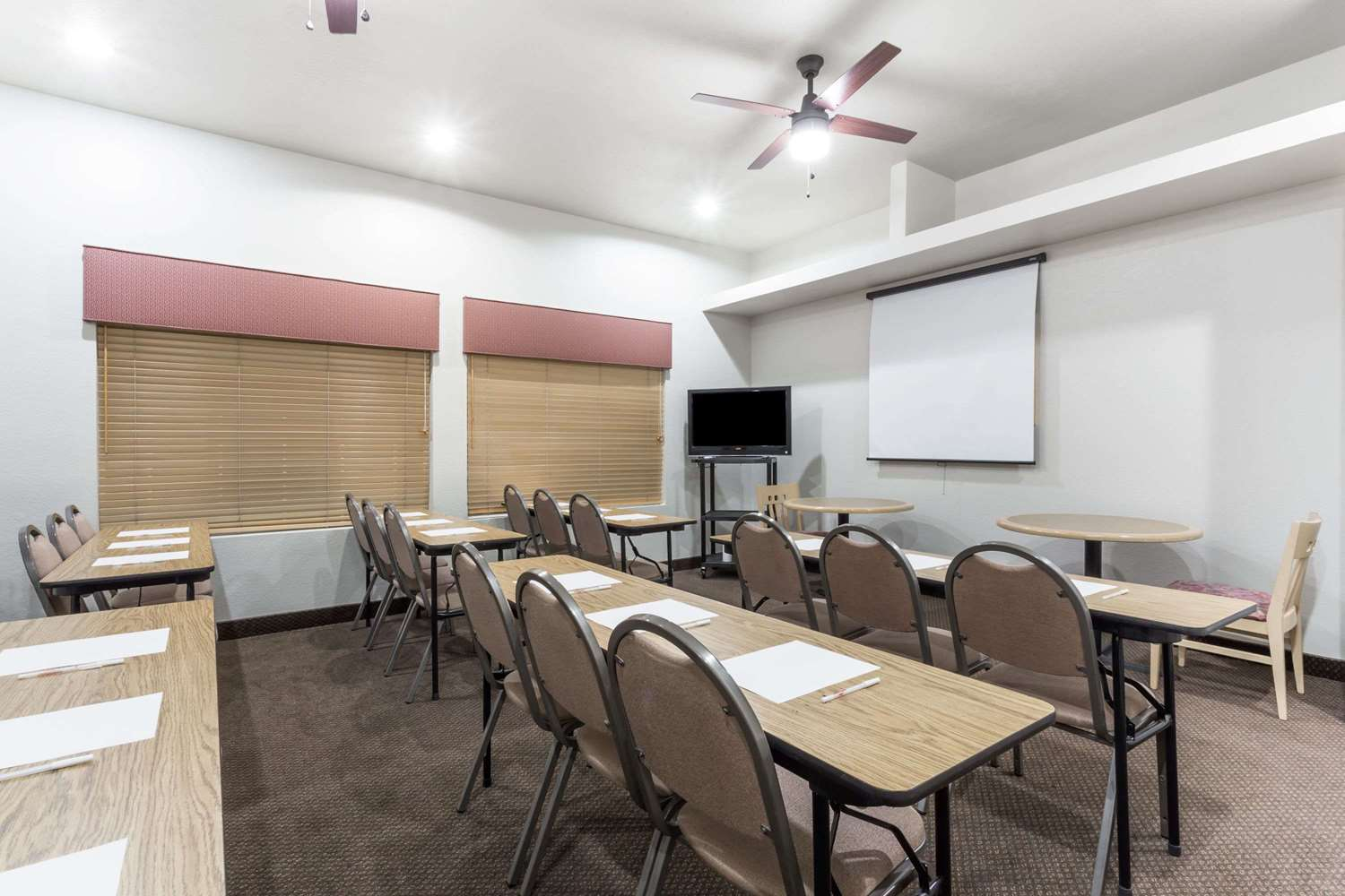 Meeting Facilities - Hawthorn Suites by Wyndham Chandler