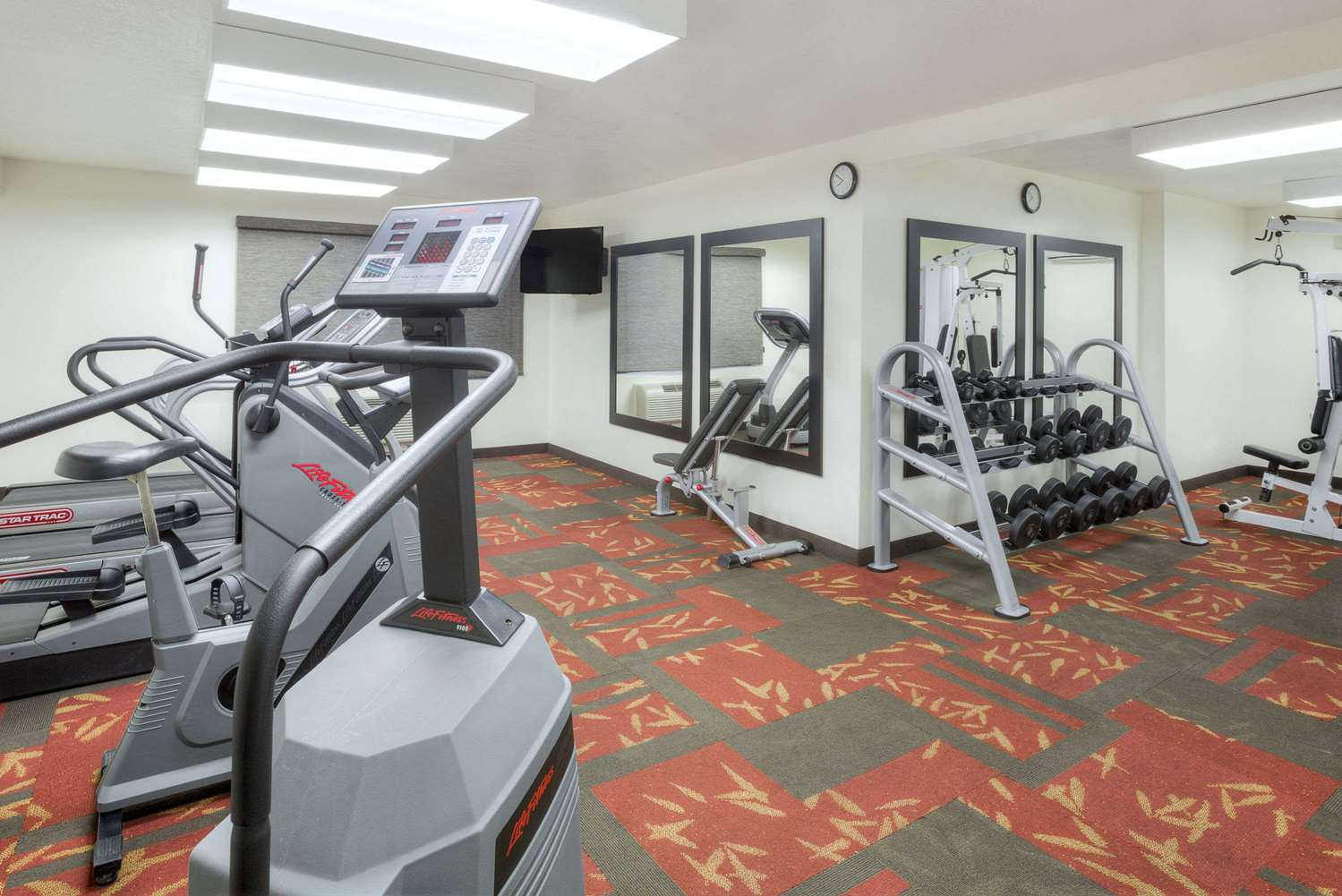 Fitness/ Exercise Room - Hawthorn Suites by Wyndham Sacramento