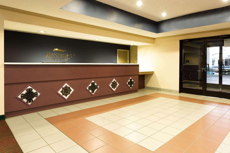 Lobby - Baymont Inn & Suites Mason