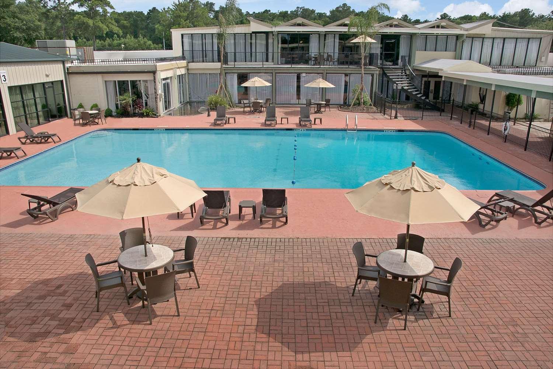Ramada Inn Houston, TX - See Discounts