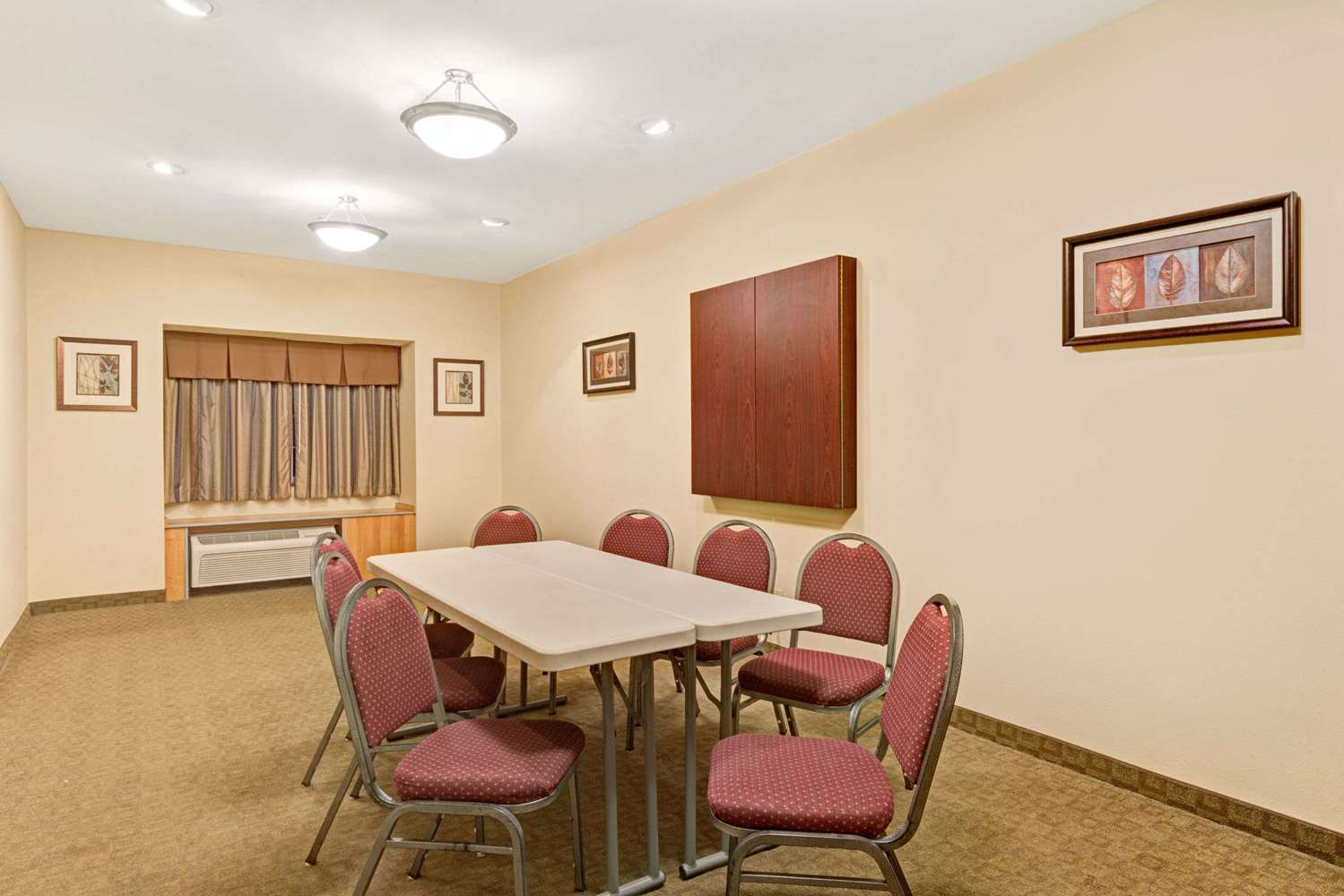 Meeting Facilities - Microtel Inn & Suites by Wyndham York