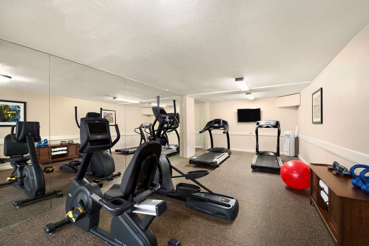Fitness/ Exercise Room - Ramada Inn Naples