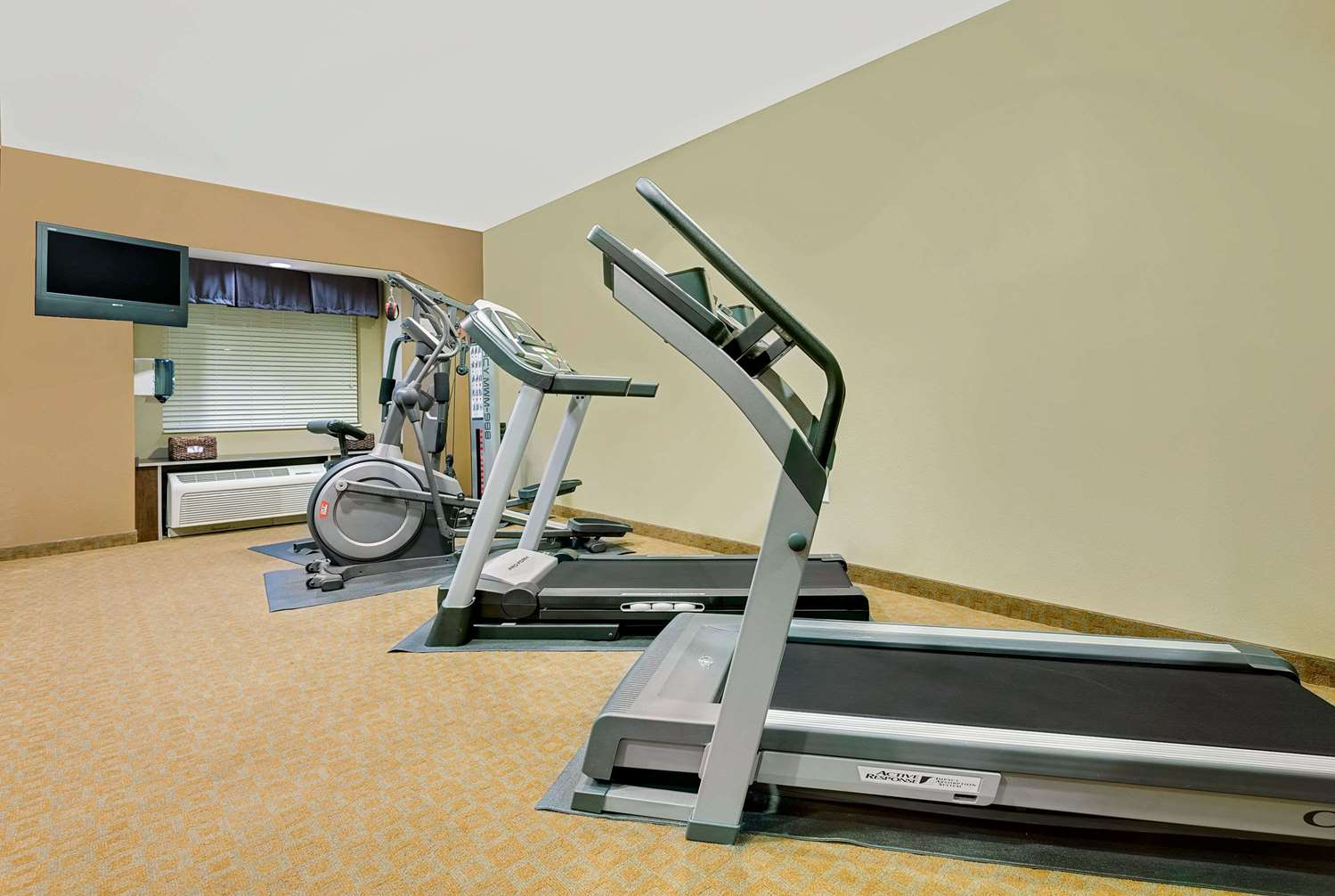 Fitness/ Exercise Room - Microtel Inn & Suites by Wyndham Perry