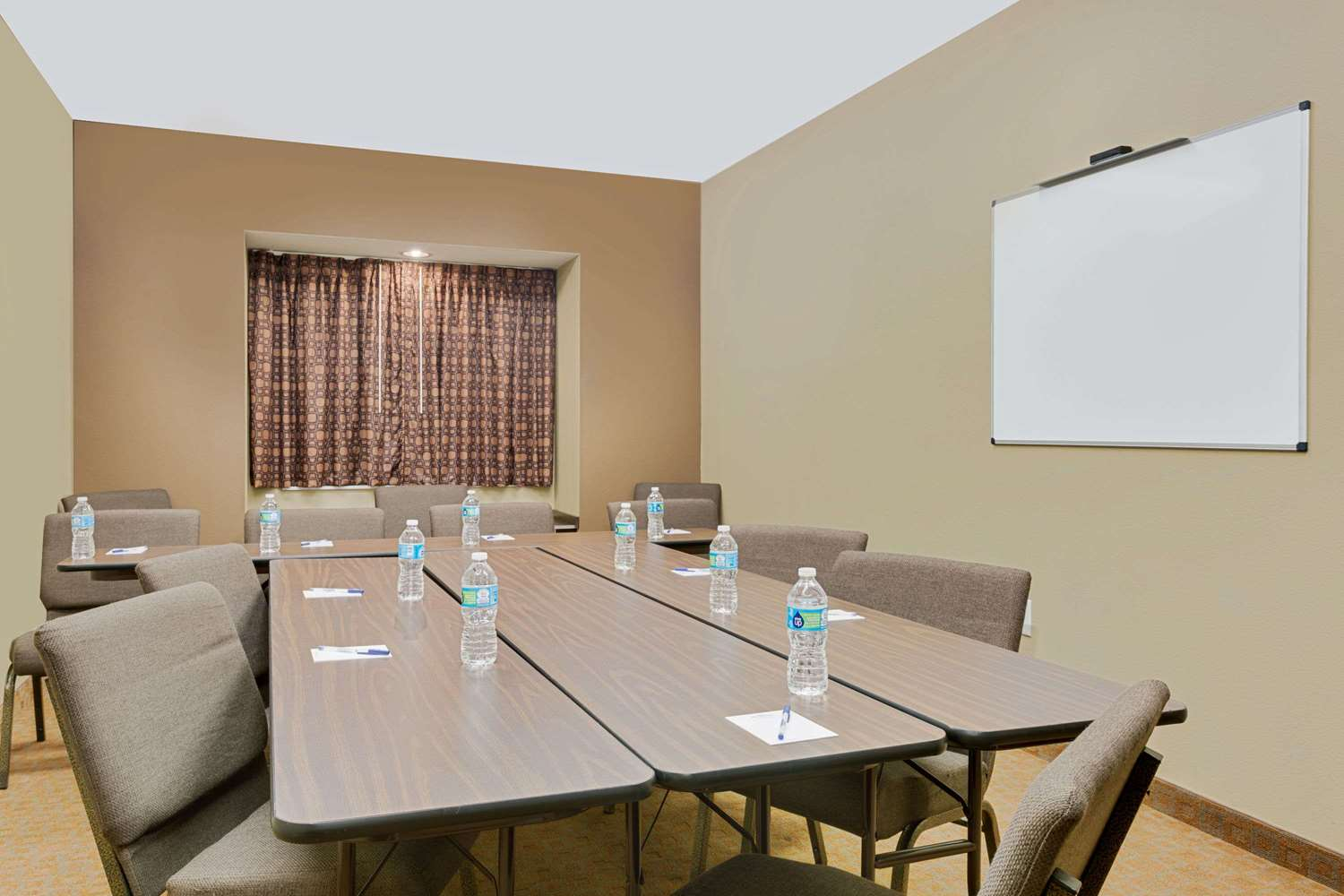 Meeting Facilities - Microtel Inn & Suites by Wyndham Perry