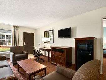 Suite - Baymont Inn & Suites Florence