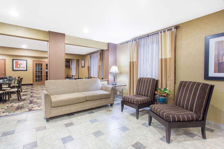 Lobby - Days Inn & Suites Waterloo