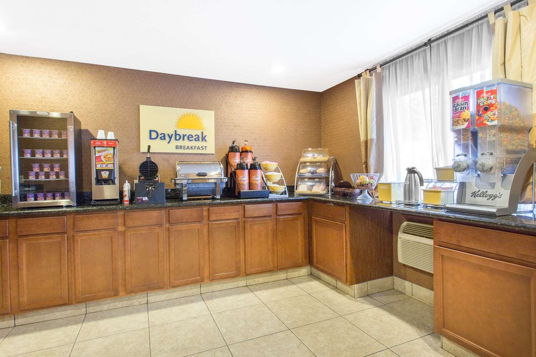 proam - Days Inn & Suites Waterloo