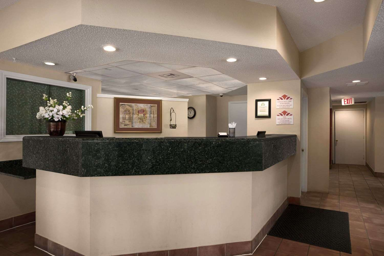 Lobby - Hawthorn Suites by Wyndham Grand Rapids