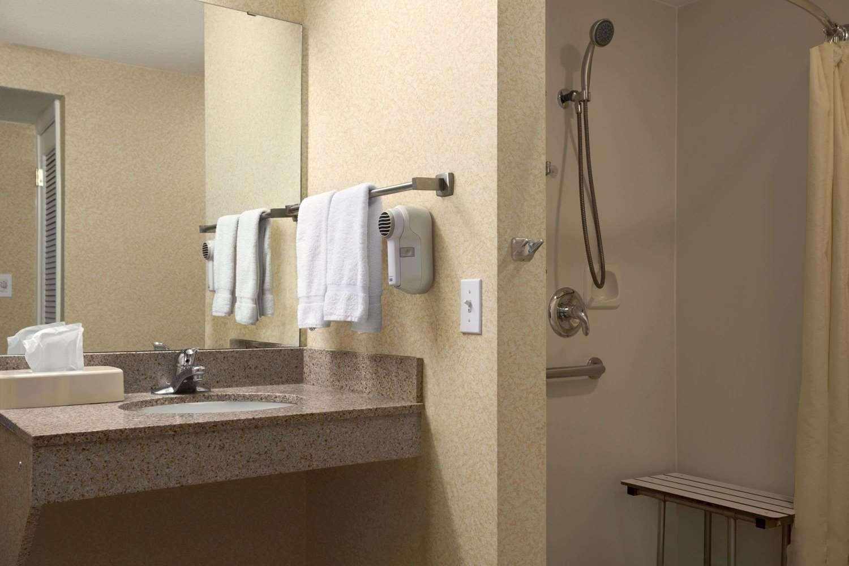 Room - Hawthorn Suites by Wyndham Grand Rapids