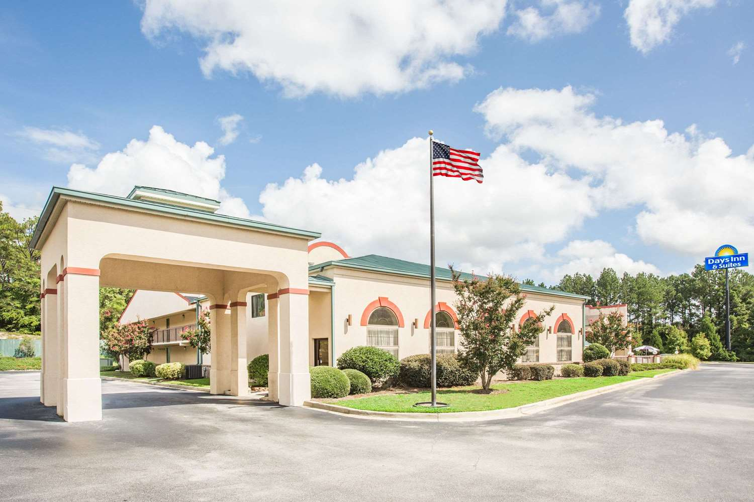 Exterior view - Days Inn & Suites Columbia Airport West Columbia