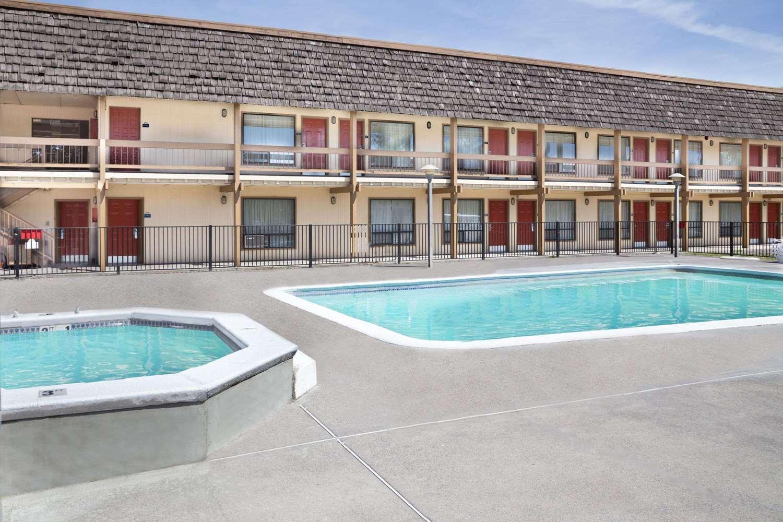 Days inn klamath falls or see discounts for Klamath falls hotels with swimming pool