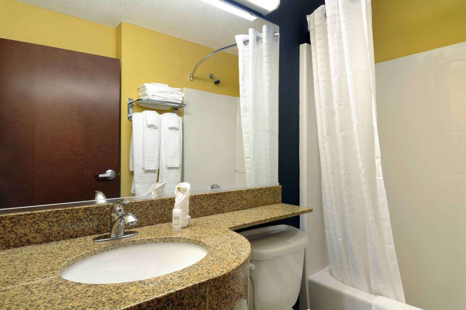 Room - Microtel Inn & Suites by Wyndham Fort Benning Columbus