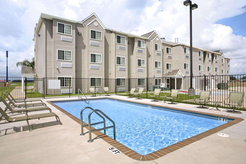 Pool - Microtel Inn & Suites by Wyndham Breaux Bridge