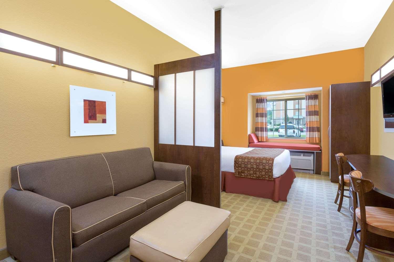 Room - Microtel Inn & Suites by Wyndham Greenville