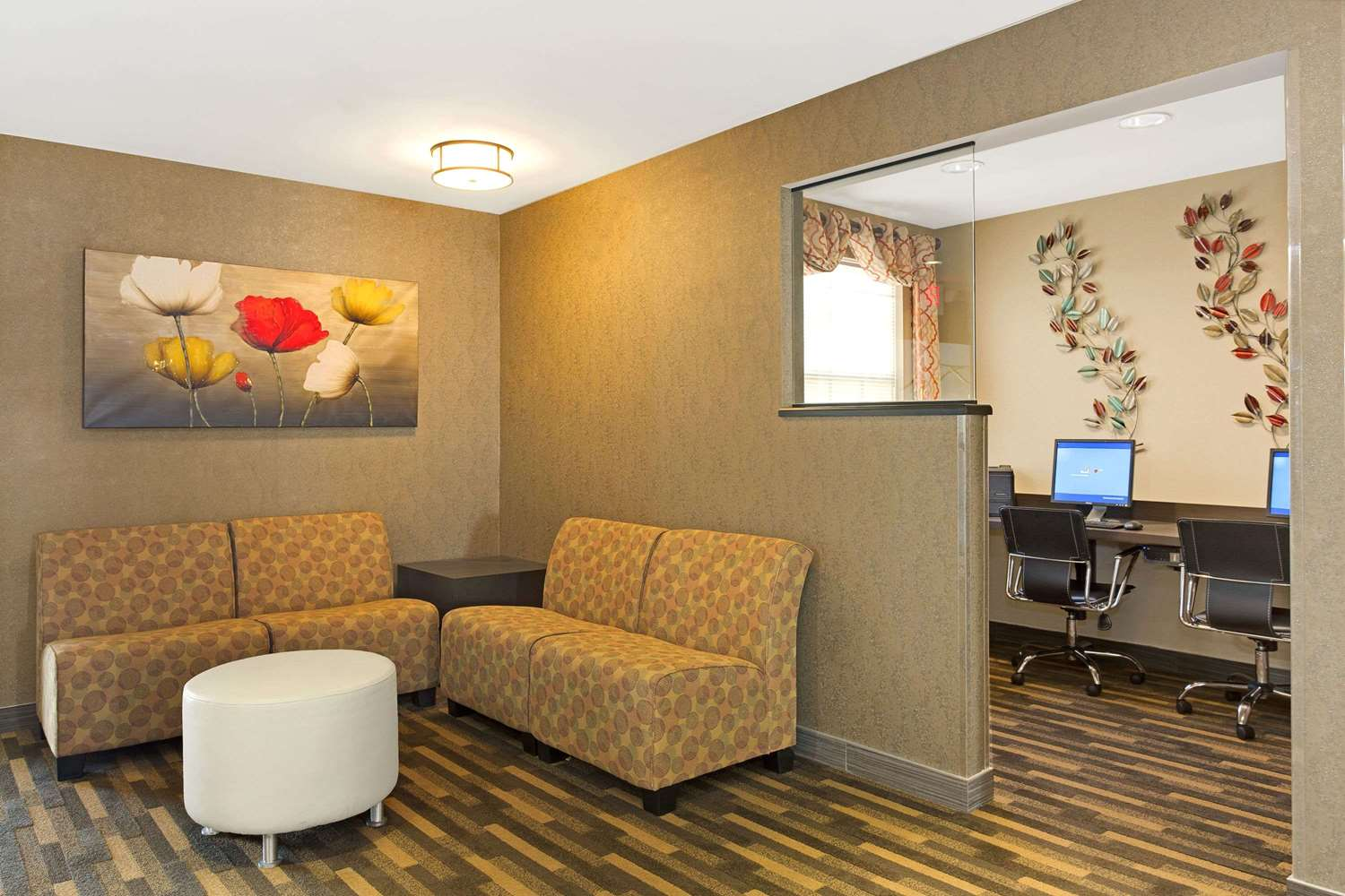 Conference Area - Hawthorn Suites by Wyndham Sharonville