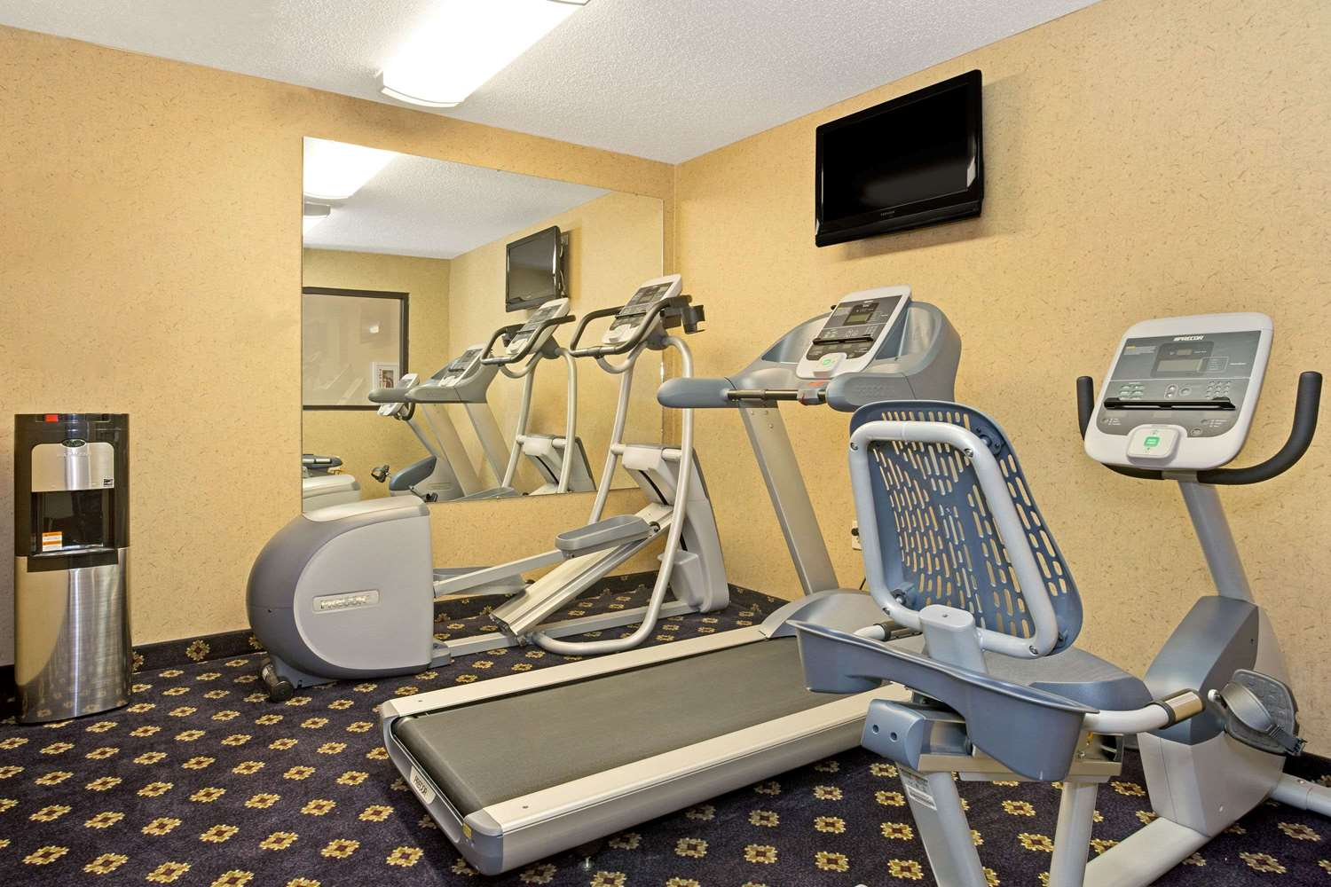 Fitness/ Exercise Room - Hawthorn Suites by Wyndham Sharonville