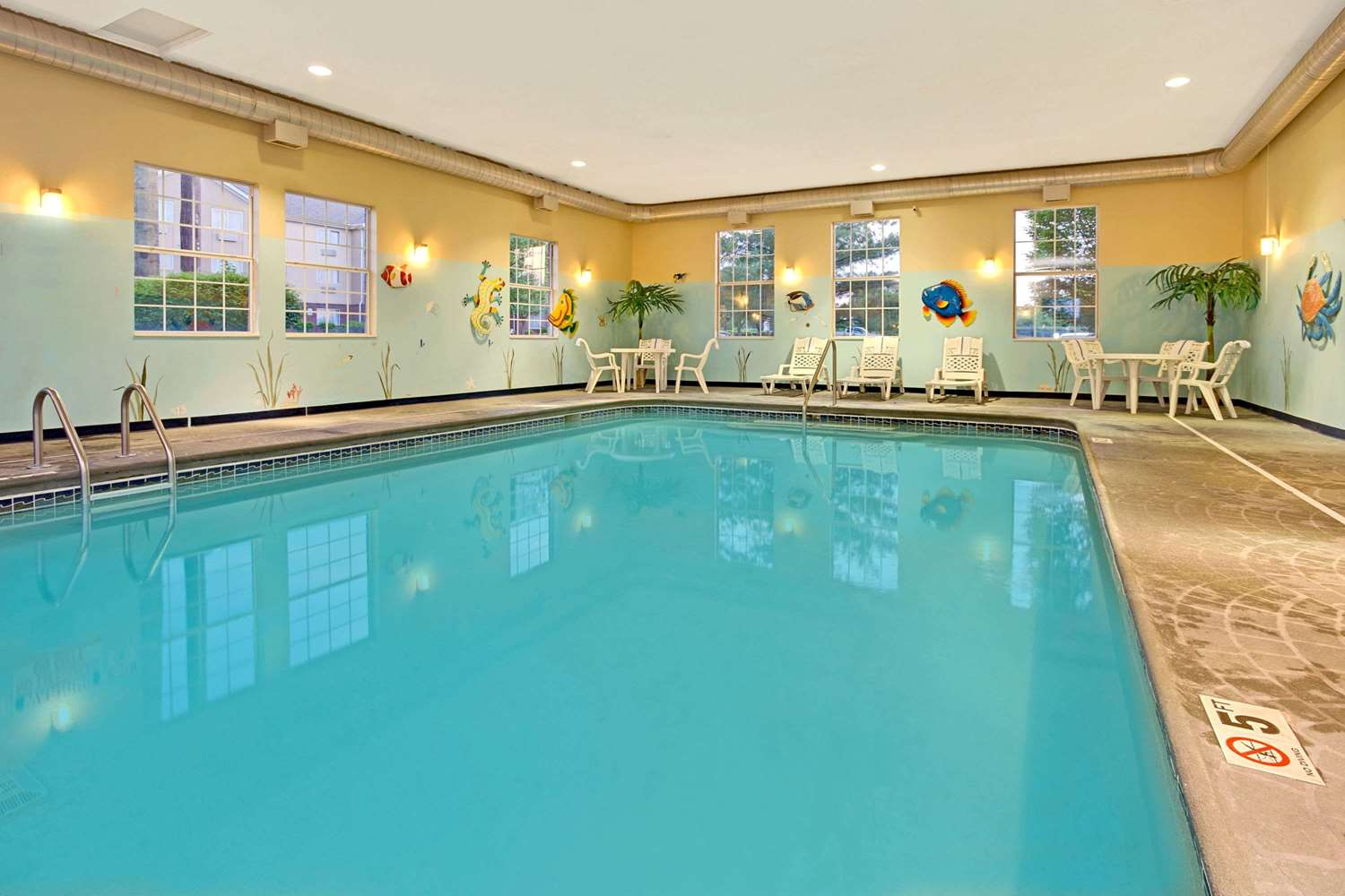 Pool - Hawthorn Suites by Wyndham Sharonville