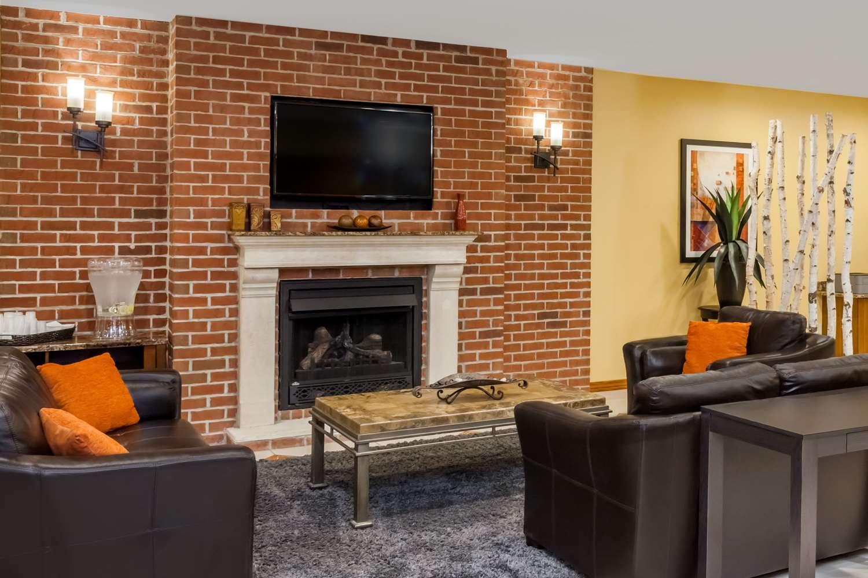 Lobby - Microtel Inn by Wyndham Notre Dame South Bend