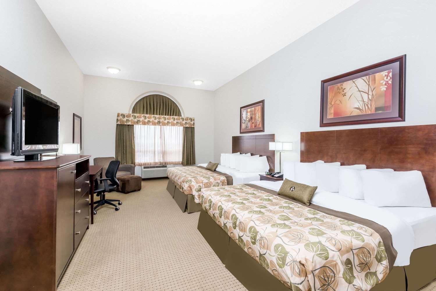Room - Ramada Hotel Olds