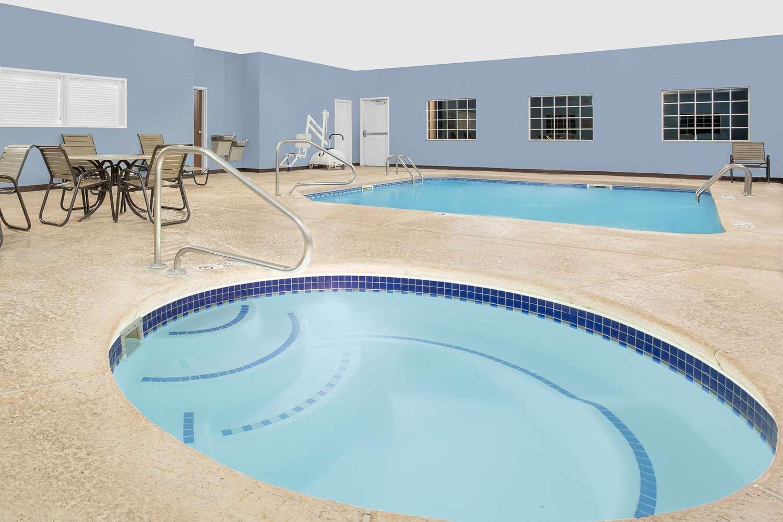 Pool - Microtel Inn & Suites by Wyndham Mansfield