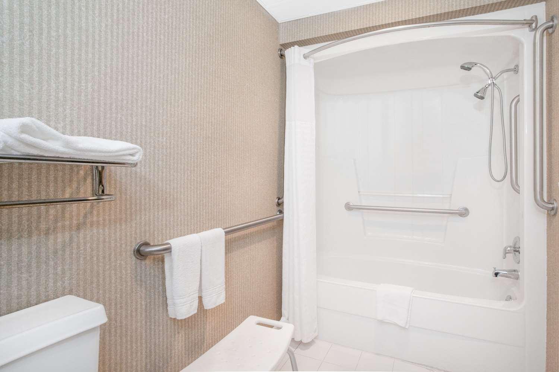 Room - Super 8 Hotel Gettysburg