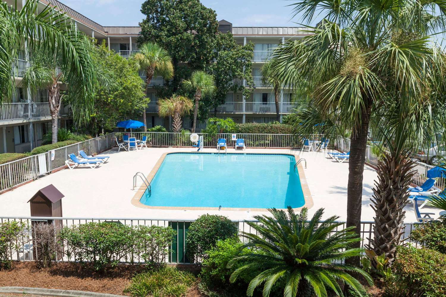 Pool - Days Inn New Orleans Airport Kenner