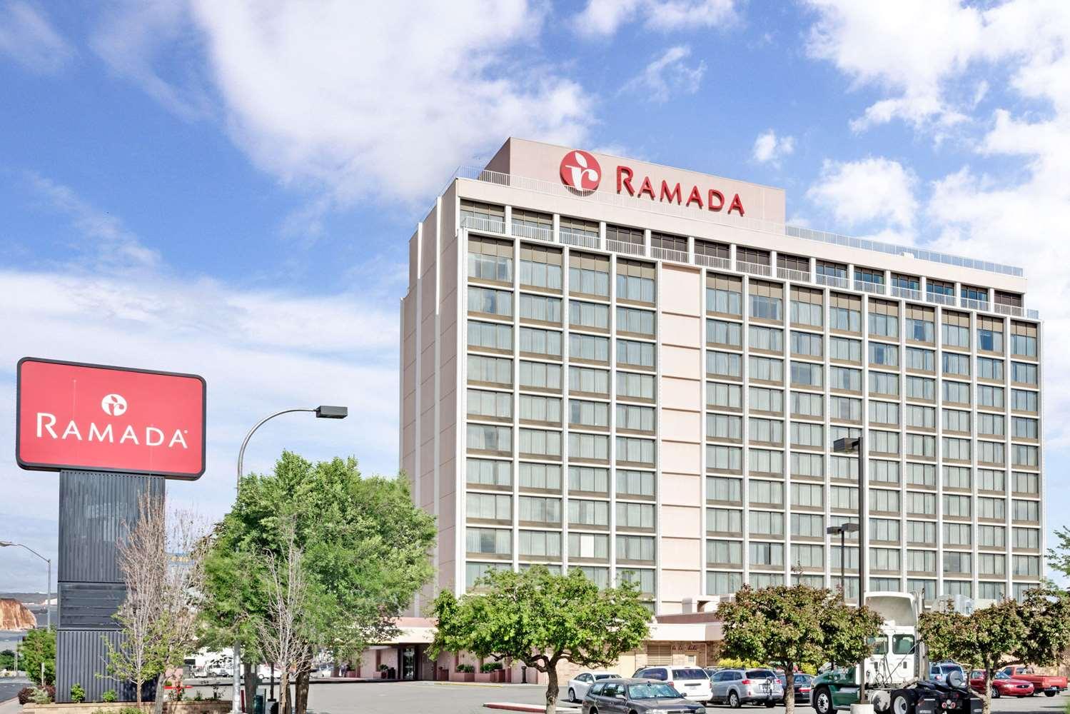 Exterior view - Ramada Hotel & Casino Reno