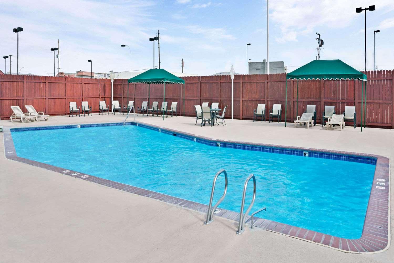 Pool - Ramada Hotel & Casino Reno