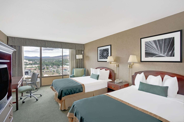Room - Ramada Hotel & Casino Reno