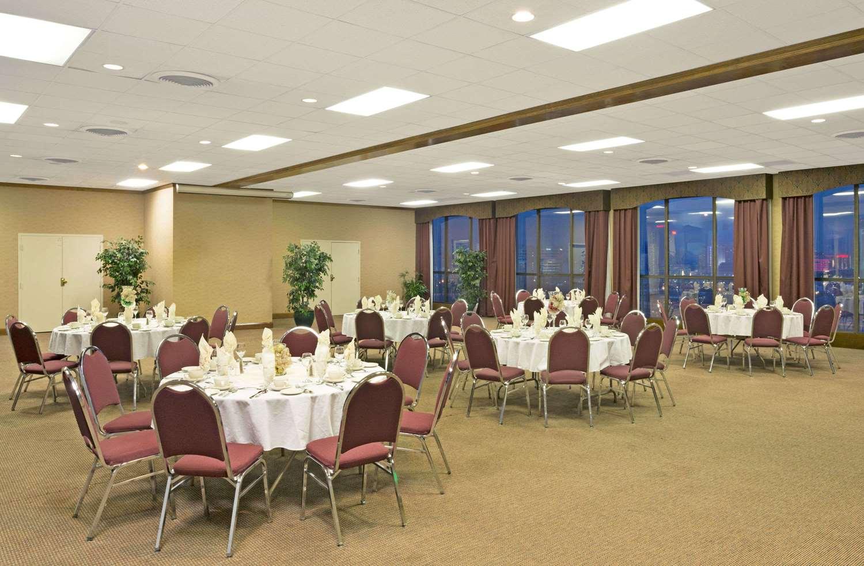 Restaurant - Ramada Hotel & Casino Reno