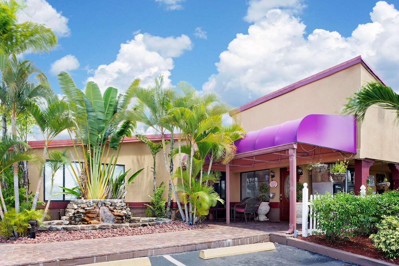Knights Inn Port Charlotte, FL - See Discounts