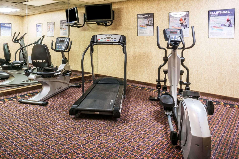 Fitness/ Exercise Room - Days Inn Expressway Killeen