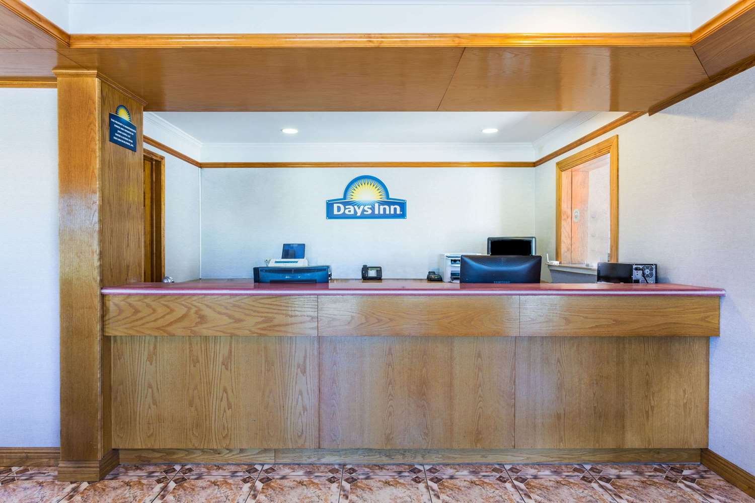 Lobby - Days Inn Slidell
